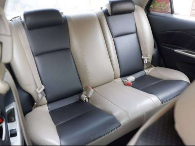 Butuh dana ingin jual Toyota Vios G 2008-1
