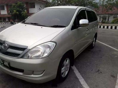 Jual Toyota Kijang Innova E 2.0 2007-1