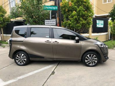 Jual Toyota Sienta V 2017-1