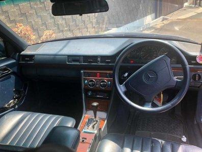 Jual Mercedes-Benz 230E 1989 kualitas bagus-1