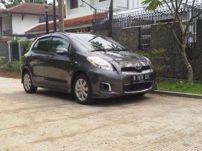 Butuh dana ingin jual Toyota Yaris E 2012-1
