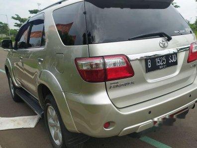 Jual Toyota Fortuner 2011 kualitas bagus-1