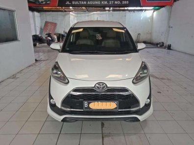 Butuh dana ingin jual Toyota Sienta Q CVT 2016-1