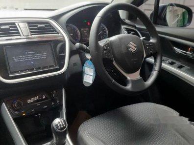 Jual Suzuki SX4 S-Cross 2016 kualitas bagus-1